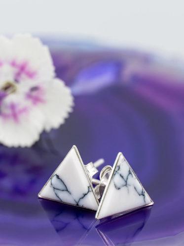 Cercei triunghi din argint si howlit