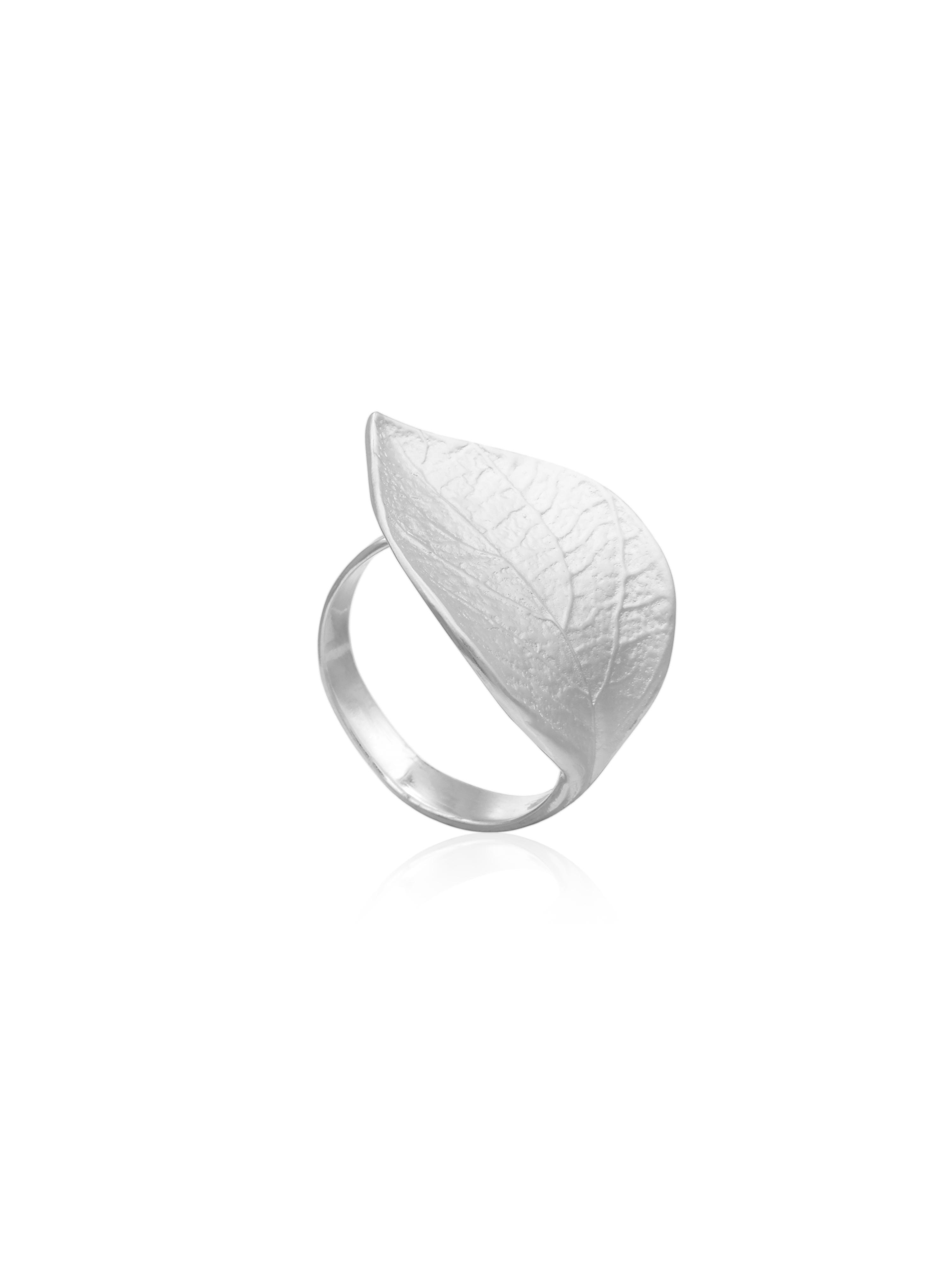 Inel din argint cu frunza