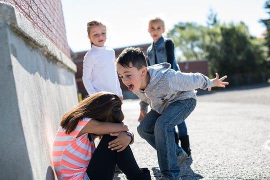violenta verbala la scoala