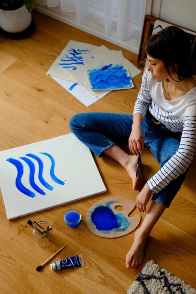 Zodia Pesti  - fire creativa